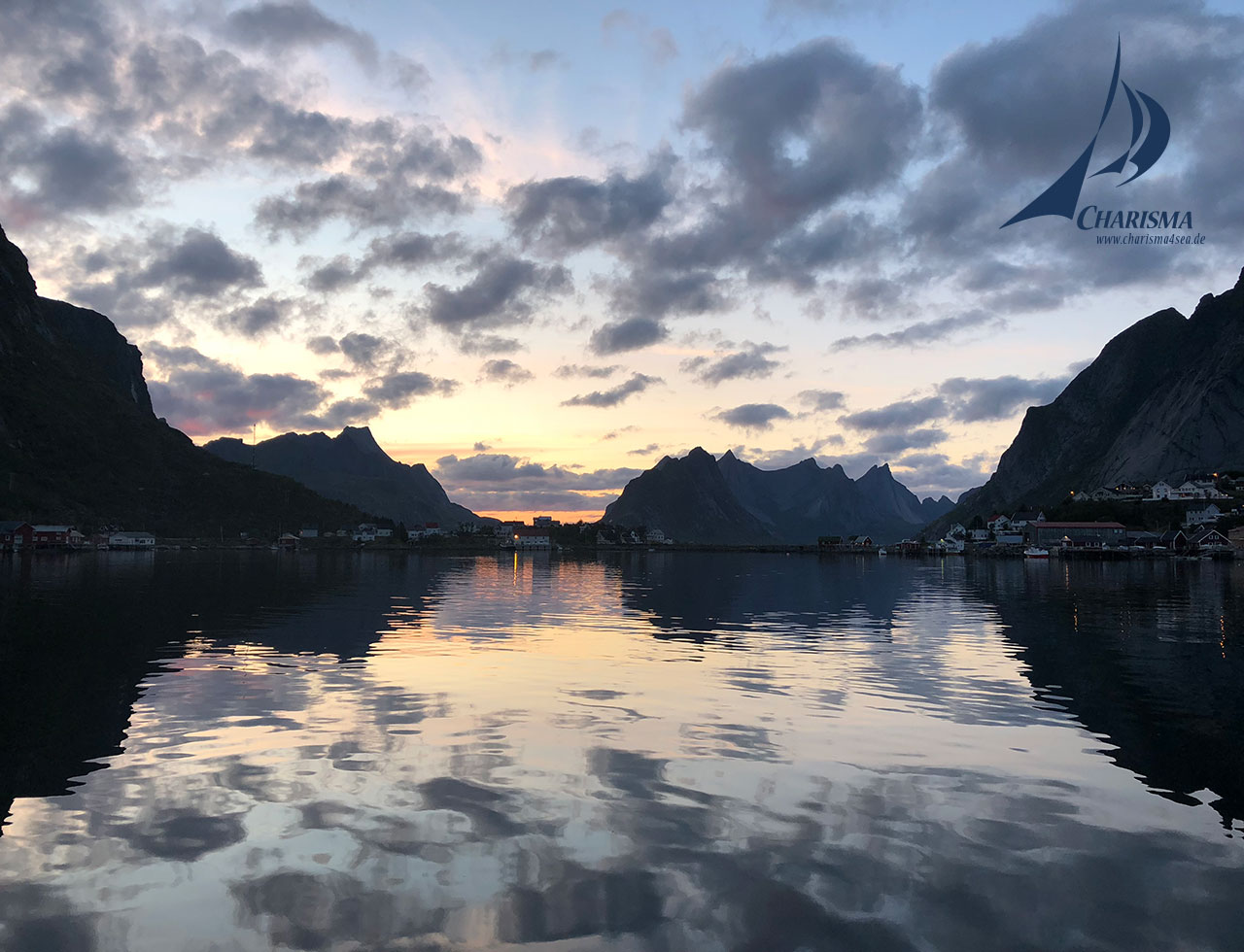 Segeln Lofoten, Hafen von Reine